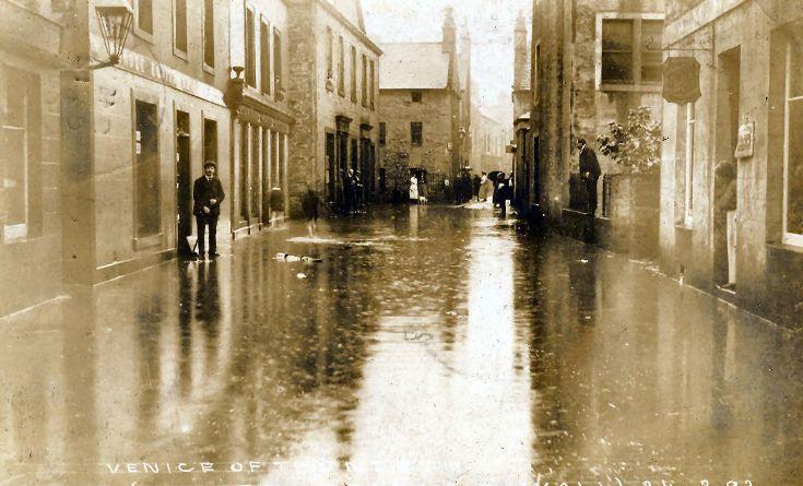 Albert Street flooded in 1909