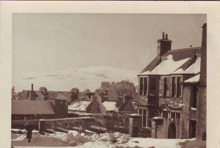 Snowy scene East Road