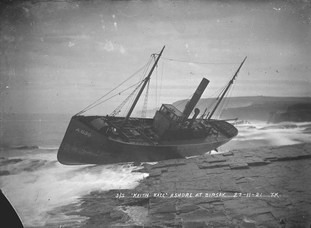 S/S Keith Hall ashore at Birsay 27-11-21