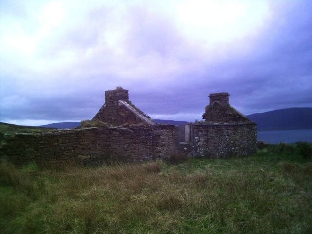 Ruined cottage in Orphir
