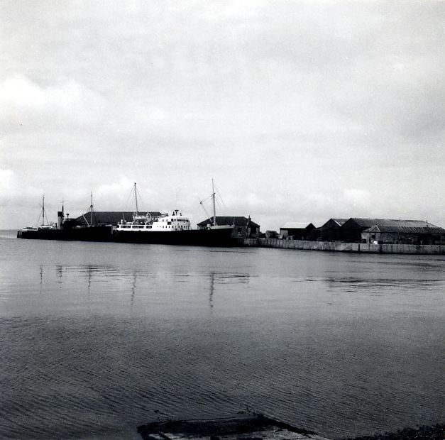 SS Earl Thorfinn and MV Orcadia