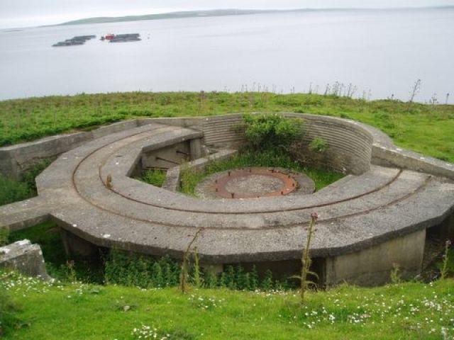 Gun emplacement at Scad Head