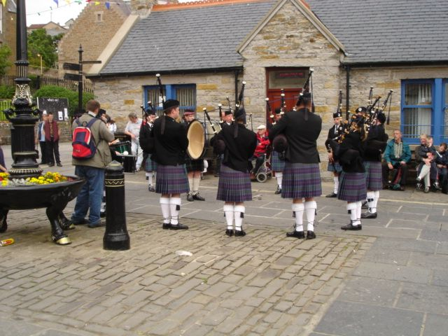 Deeside Caledonia Pipe band