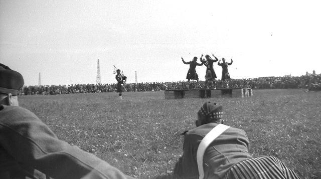 County Show 1947, 2/3 mirrored