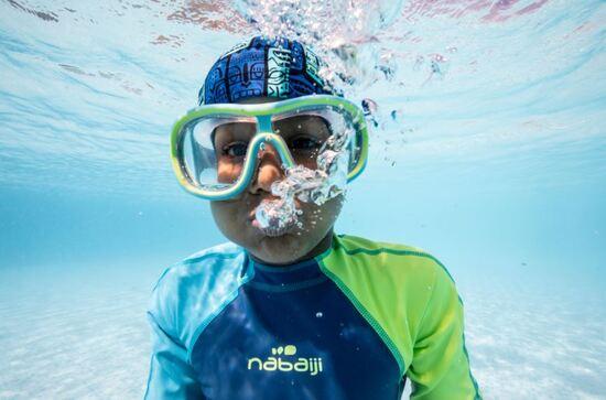 Test d'une nouvelle combinaison et maillot piscine pour vos enfants