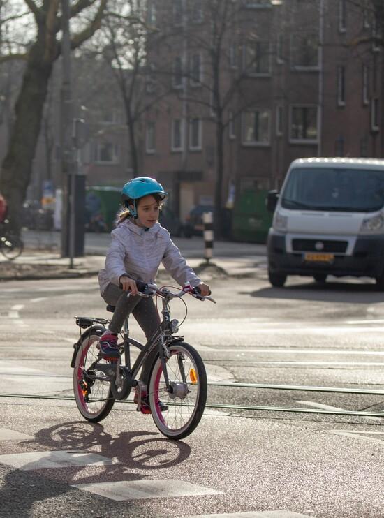 Apprenons à en connaître un peu plus sur les habitudes de vos enfants à vélo
