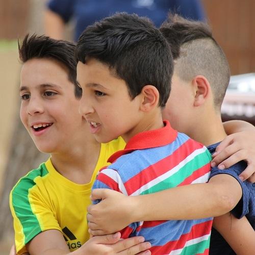 kuvassa lapsia