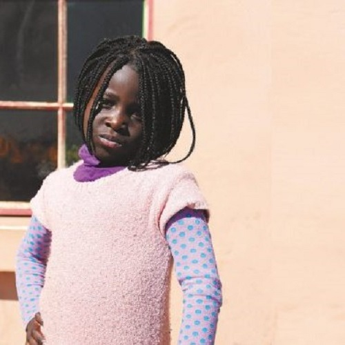kuvassa tyttö