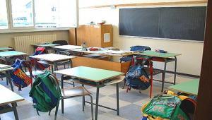 Allerta meteo per vento forte  scuole chiuse in Valdicecina 6d9e265dd50