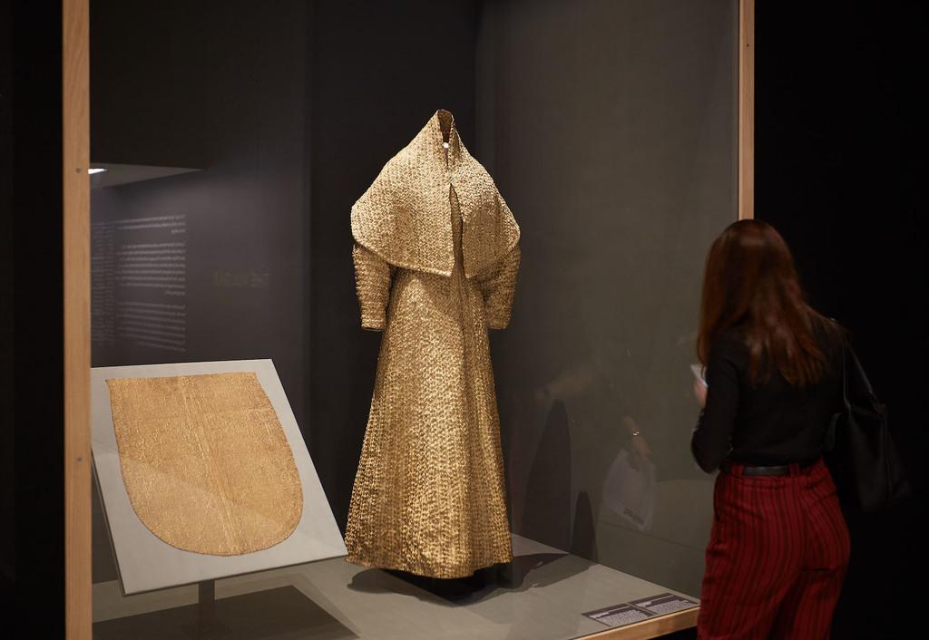 2. the vulgar fashion redefined. barbican art gallery