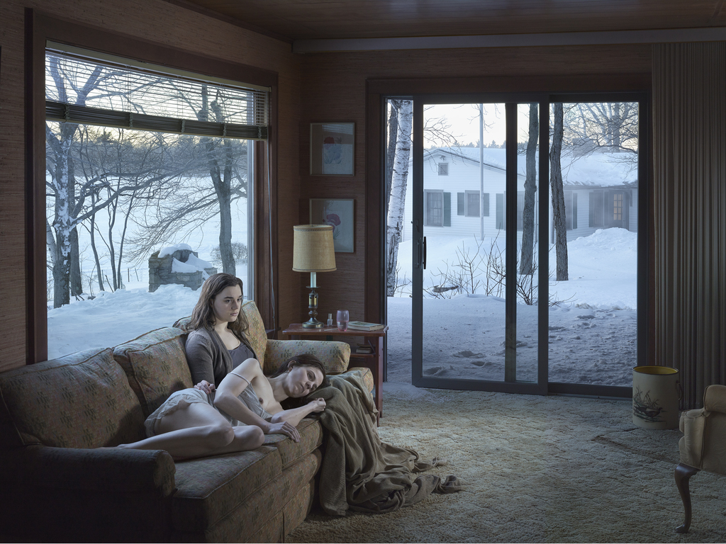01 press image l gregory crewdson  mother and daughter  2014