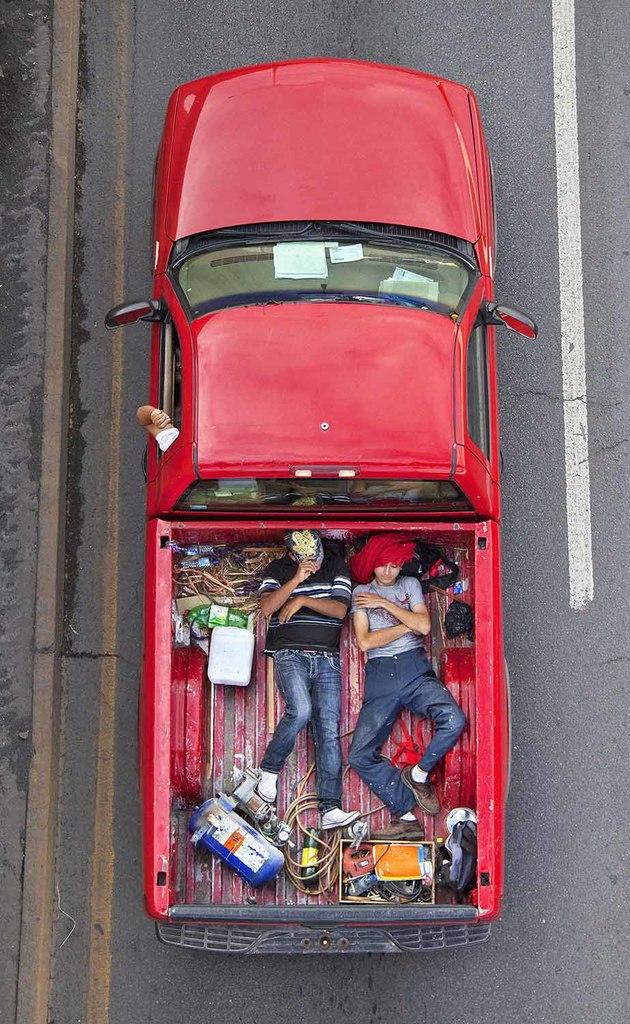 Carpoolers bg 32