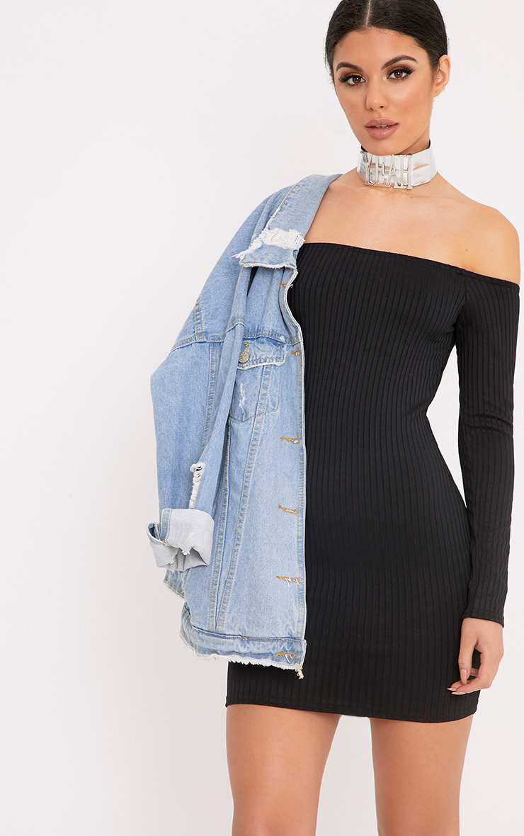 Denim is the ultimate wardrobe hero so if it's a new season upgrade you need, all your denim essentials can be found right here. Whether it's a casj day outfit you want or it's a day-drinking-could-turn-to-evening-cocktails kinda situation you're dressing for, we've got denim clothes right here.