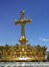 Korona z Bazyliki  de Luordes ( Francja), która chonii tych którzy jeszcze żyją.