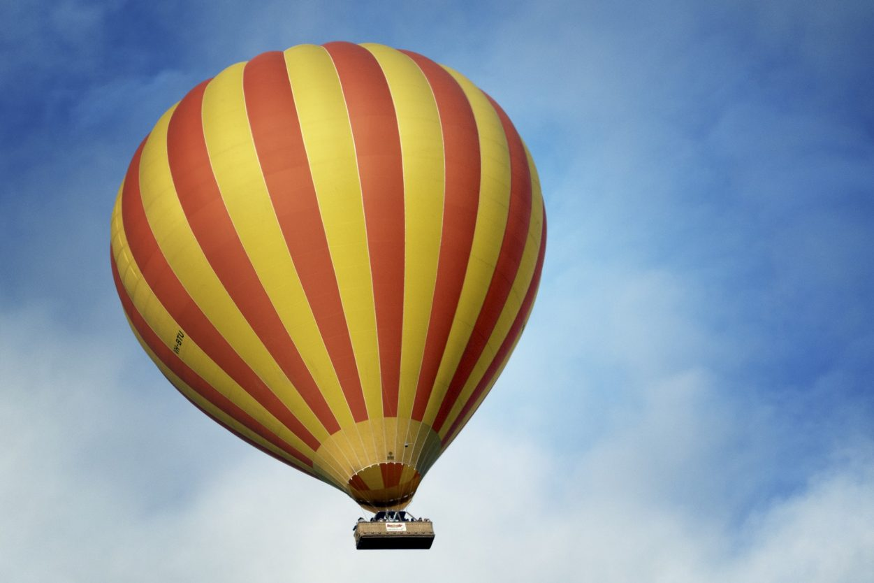 Hot Air Balloon Ride as an Unusual Wedding Gifts Idea