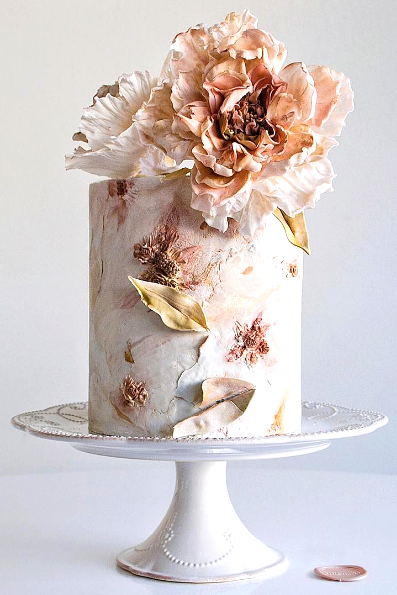 Single Tier Wedding Cake with flower