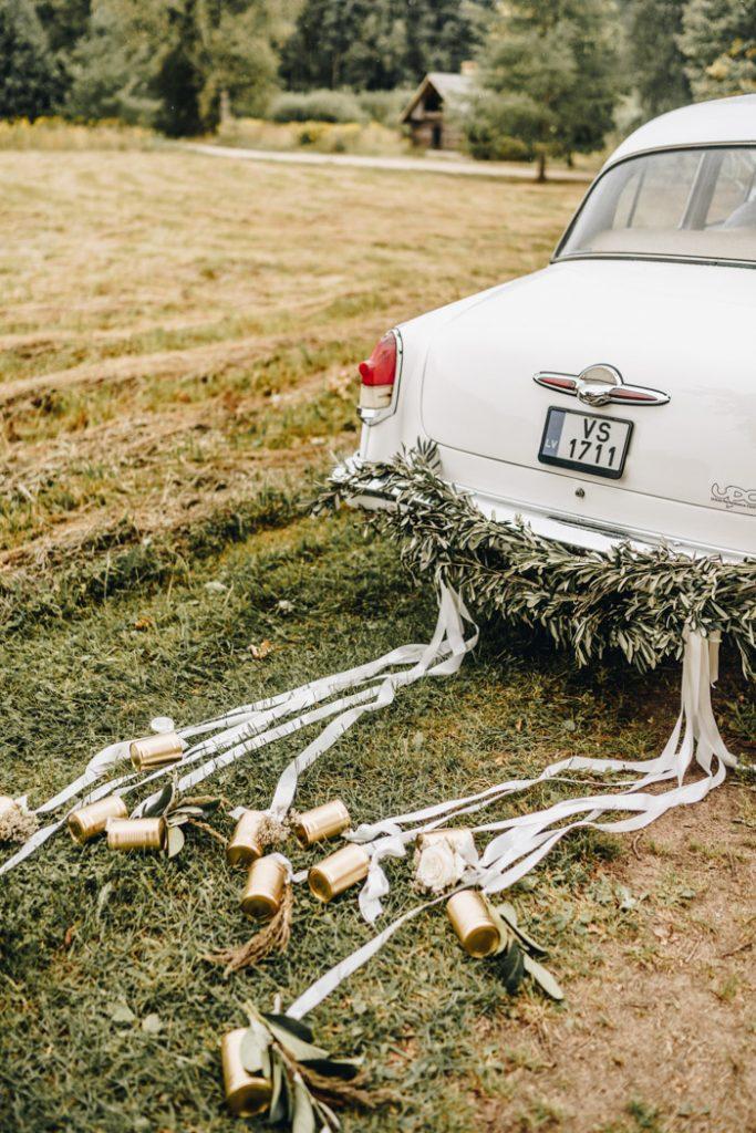 vintage wedding car decoration
