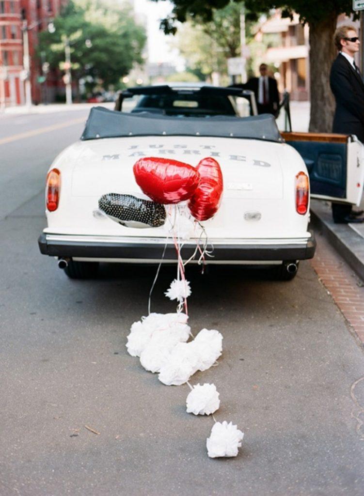 balloons wedding car decoration