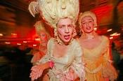 Opera Bouffe von Julia Regehr