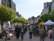 Fabry-Markt - Antik - und Trödelmarkt im Herzen Hildens, der Mittelstraße
