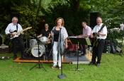 """Jazzfrühschoppen mit Livemusik """"Swinging Sunday"""" im Biergarten"""