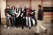 CQ - Cologne Contemporary Ukulele Ensemble: Q's Für 5 Ukulelen & Bass-kalimba
