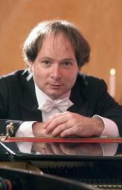 """Klassik Konzert """"Russische Begegnungen"""" mit Andreas Wolter"""