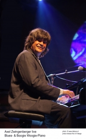 Axel Zwingenberger solo