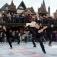 """Performance-Kunst von """"Le Patin Libre"""" auf dem Eis"""