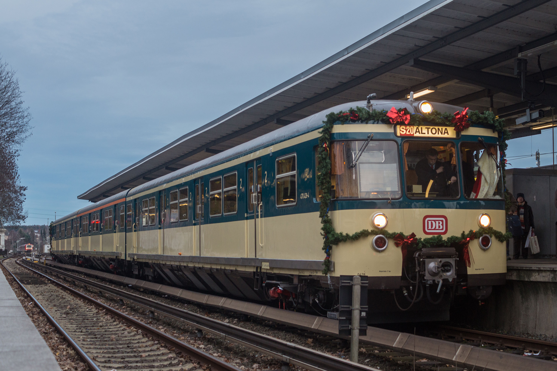 Der Weihnachtsmann fährt S-Bahn