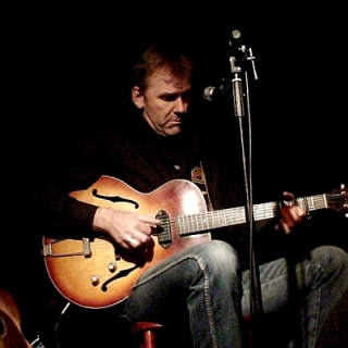 Max Wolff | Acoustic Roots-Country, Folk & Blues