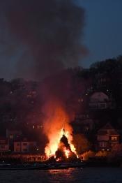 Osterfeuerfahrt auf der Elbe