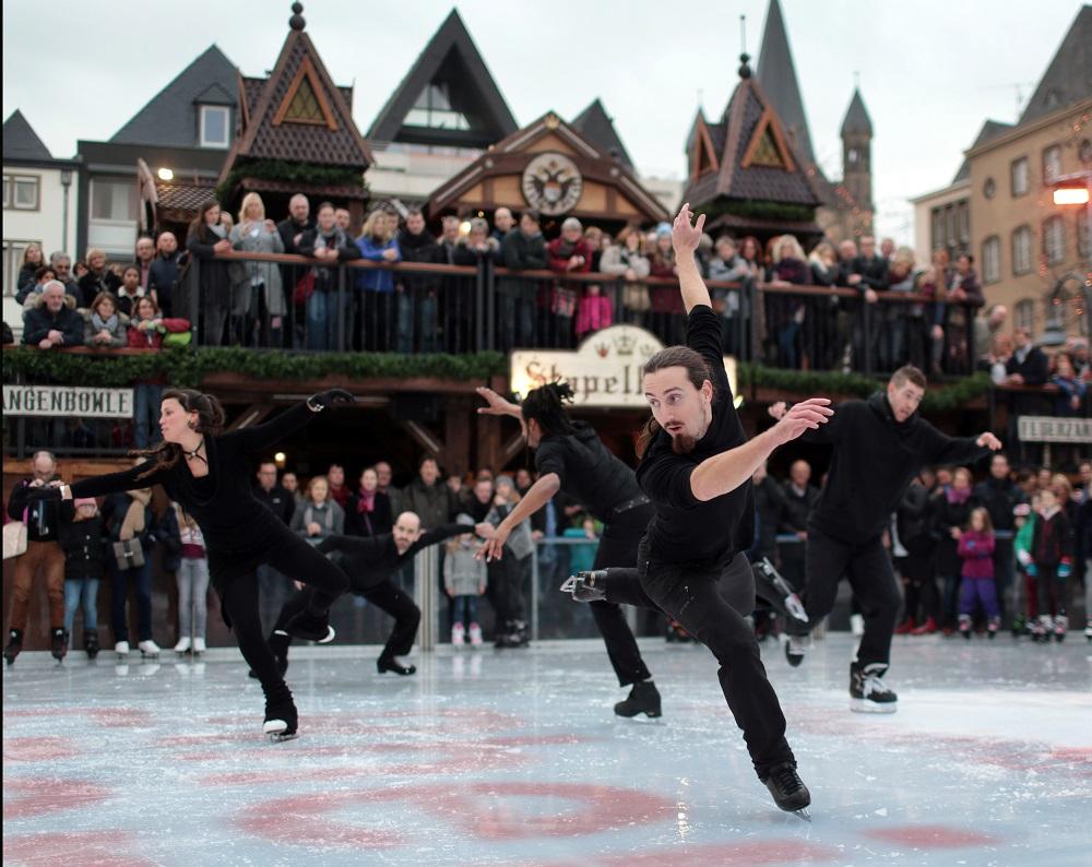 Eistanz-Spektakel in Heinzels Wintermärchen auf dem Heumarkt