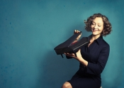 Klavierkabarett und Klassik-Crossover: Anne Folger - Selbstläufer