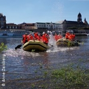 Schlauchbootfahrt durch Dresden