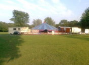 Zelt des Circus Charles Monroe