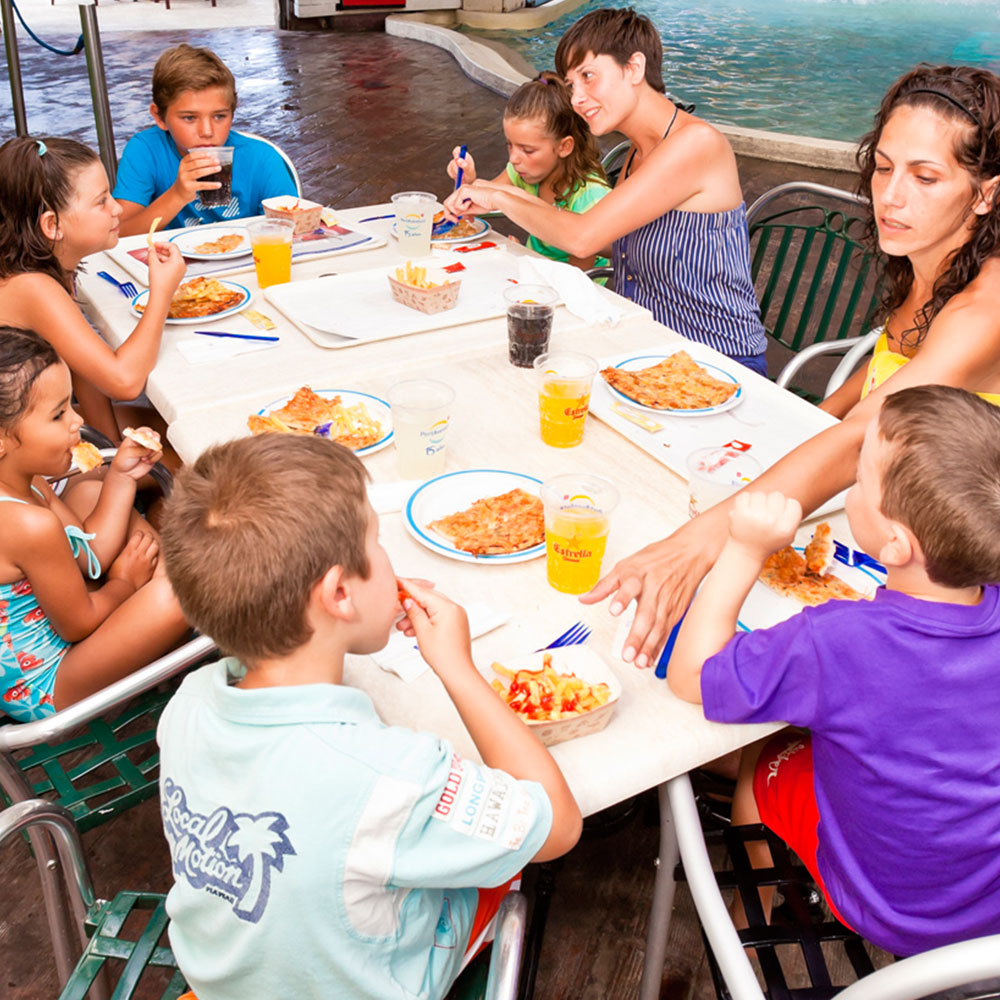 The Surfer Restaurante - Caribe Aquatic Park