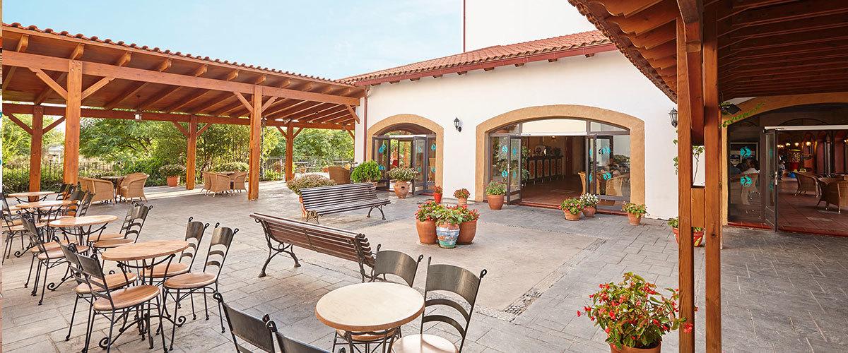 terrasse mexicaine des ides de design duintrieur design duintrieur de couleur rouge mexicaine. Black Bedroom Furniture Sets. Home Design Ideas