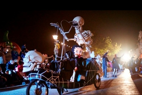 Espectáculos Halloween - Halloween Parade (distributiva)