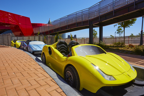 FERRARI LAND TIENDAS PHOTORIDE MARANELLO