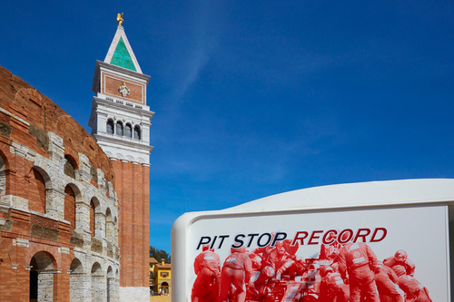 FERRARI LAND TIENDAS PHOTORIDE PIT STOP RECORD