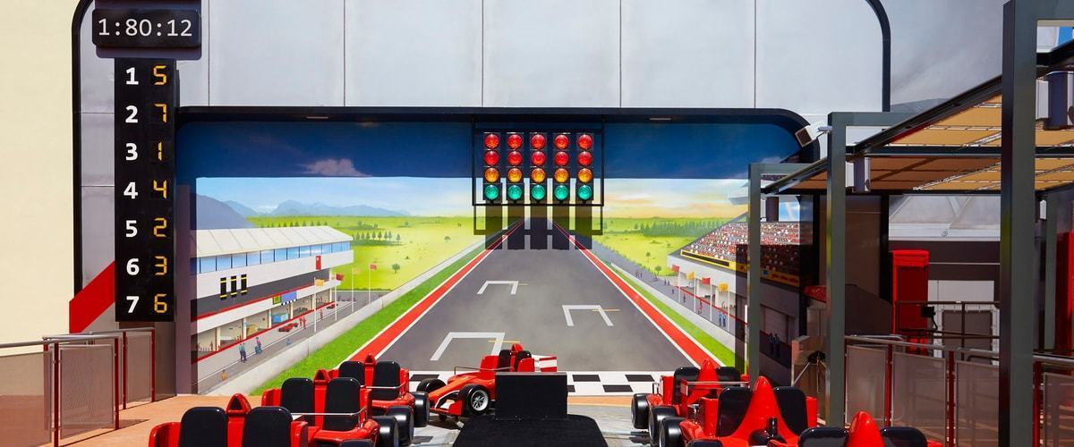 Junior Championship Shop Ferrari Land 1
