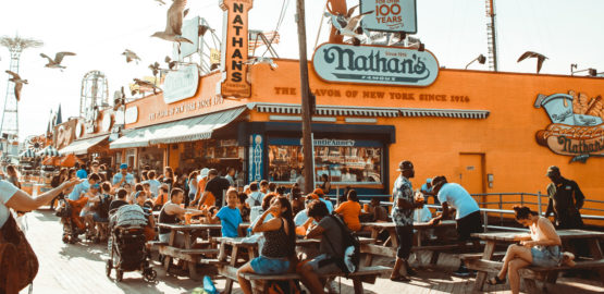 How To Encourage Customer Loyalty in the Fast-Casual Restaurant Industry