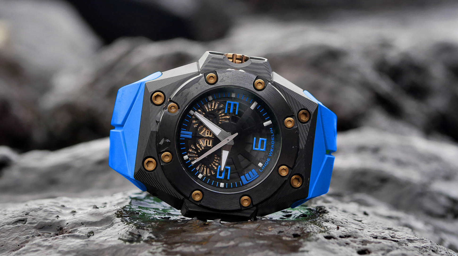 Linde Werdelin watch blue strap
