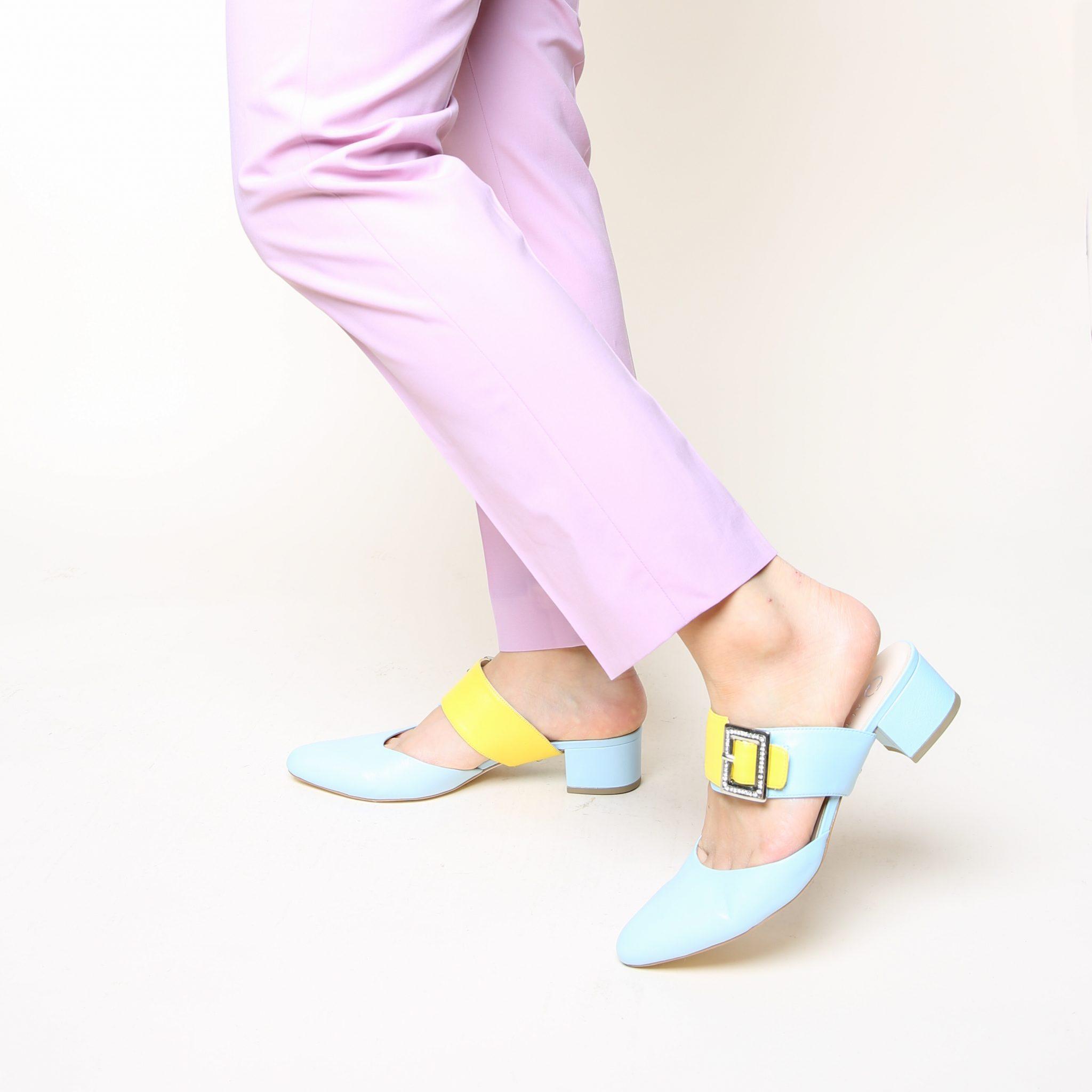 slide-agate-blue-grace-agate-blue-lifestyle-1