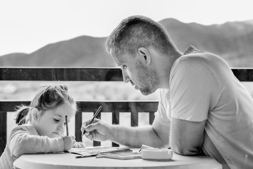 padre-educa-hija.jpg