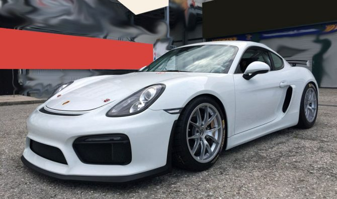 Costa nella Porsche Suisse