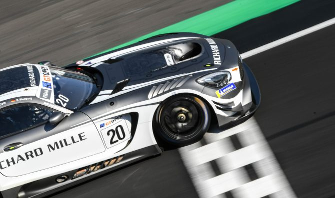 Onslow-Cole in pole a Silverstone