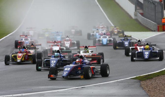 British F3 continua con Tatuus-Cosworth