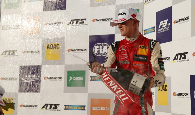 Schumacher secures FIA F3 title